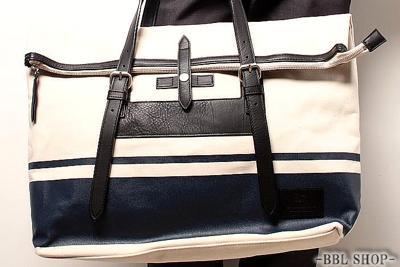 ロゴプレートデザインバッグ